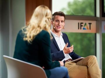 Philipp Eisenmann, Exhibition Director IFAT eröffnet den IFAT impact Business Summit.